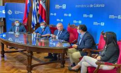 Mesa de autoridades que participaron en la reunión