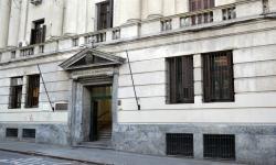 vista de la fachada del edificio del Ministerio de economía y finanzas