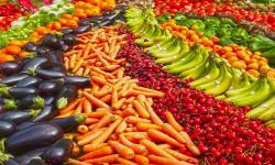 vista de frutas y verduras en supermercados