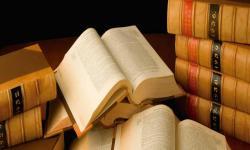 Libros sobre mesa