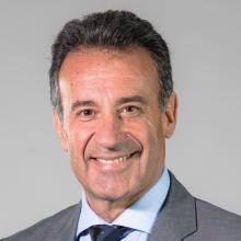 Dr. Daniel Salinas