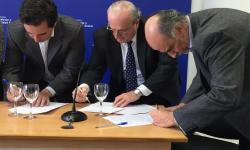 Firma de acuerdo en el Consejo Superior Tripartito