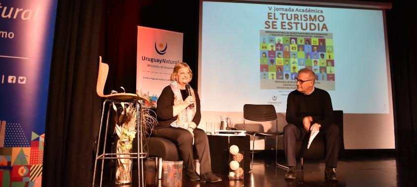 Liliam Kechichian y Carlos Fagetti durante la apertura de El Turismo se Estudia.