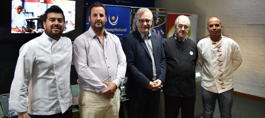 Fotografía del panel expositor: Andrés Damiano, Juan Pardo, Carlos Fagetti, Horacio Spingardi, José Alejandro Cova.