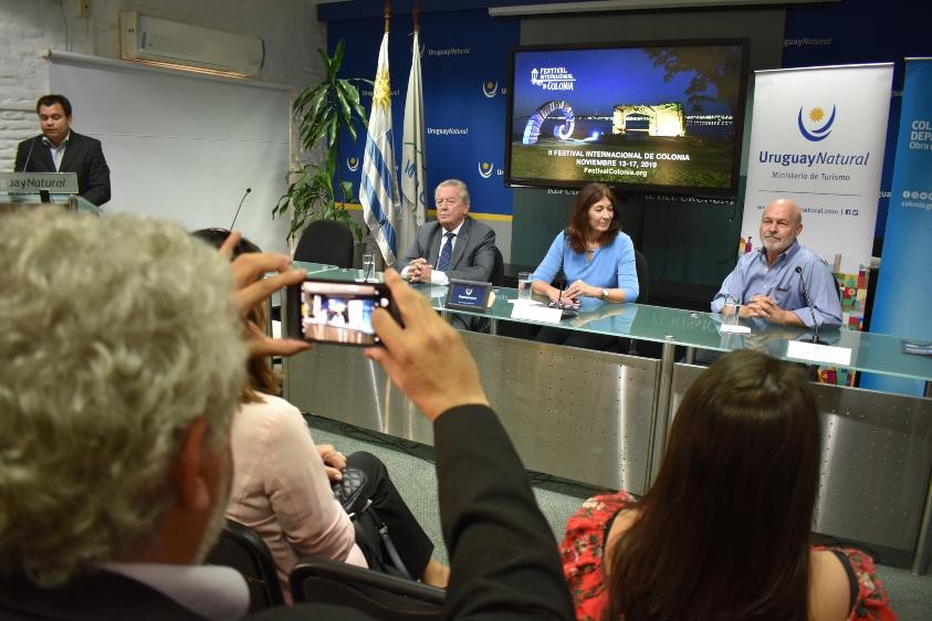 Carlos Moreira, Hyara Rodríguez y Enrique Graf durante la presentación