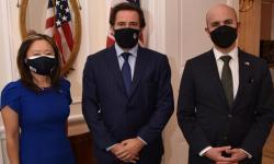 Julie Chung; Ministro de Turismo, Germán Cardoso y Juan González