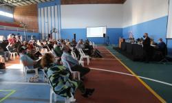 Habitantes de la zona de la cuenca de la Laguna del Sauce participan de la audiencia pública el Plan Local junto a técnicos y autoridades de la Intendencia de Maldonado en el Campus de dicha ciudad.