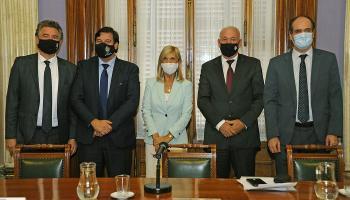 Gerardo Amarilla, Adrián Peña, Beatriz Argimón, Walter Verri y Alberto Majó