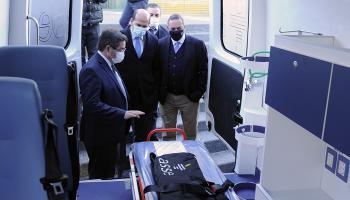 Cipriani mostrando ambulancia