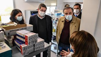 Leonardo Cipriani y Alejo Umpiérrez en centro de salud de Lascano