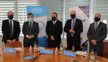 Autoridades del gobierno en lanzamiento del programa LATU Uruguay