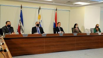Presidente Lacalle Pou y autoridades del Gobierno