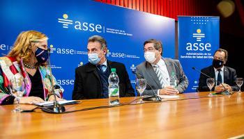 Autoridades reciben donación de equipos para el Sinae y ASSE