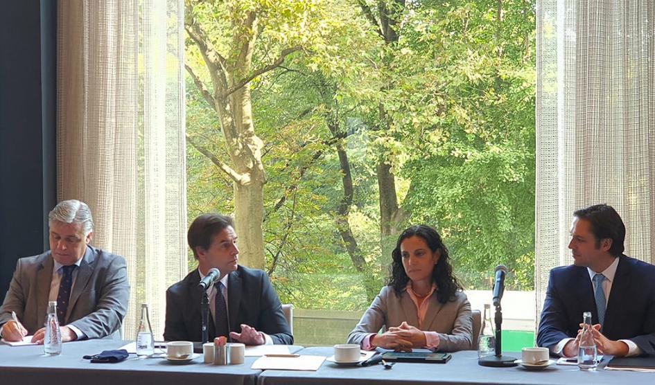 Presidente Lacalle Pou, ministro Francisco Bustillo y ministra Azucena Arbeleche