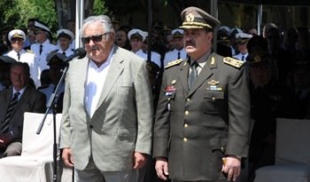 Presidente José Mujica en designación del comandante en jefe del Ejército Guido Manini Ríos