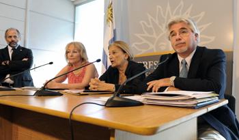 Autoridades nacionales en conferencia de prensa en Residencia de Suárez