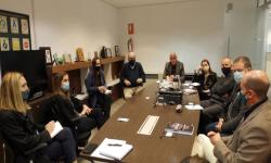 Reunión entre delegación de forestal Montes del Plata y UNASEV